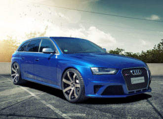 Audi RS4 looking good with Cor.Speed Challenge Wheels